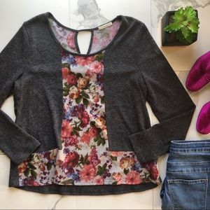Le Lis Grey Floral Keyhole Back Sweater